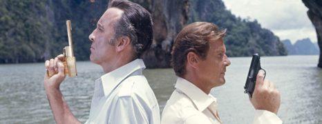 El Hombre de la Pistola de Oro (1974)